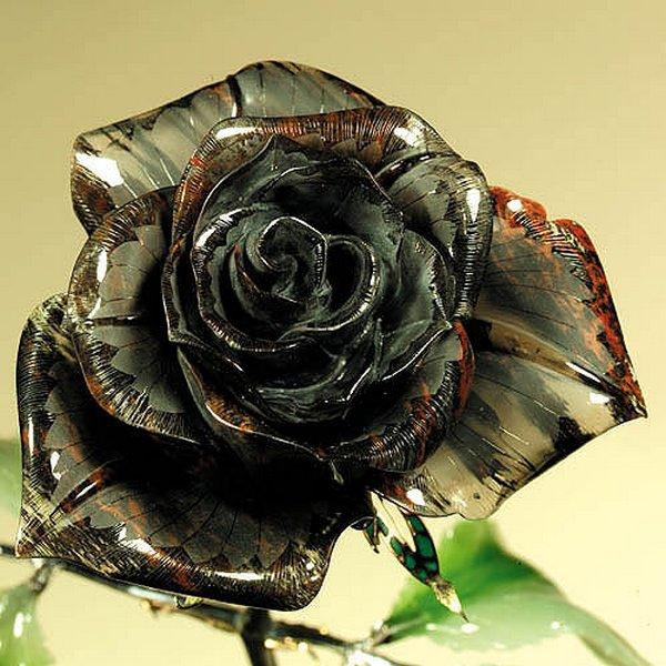для розы из камня фото того они