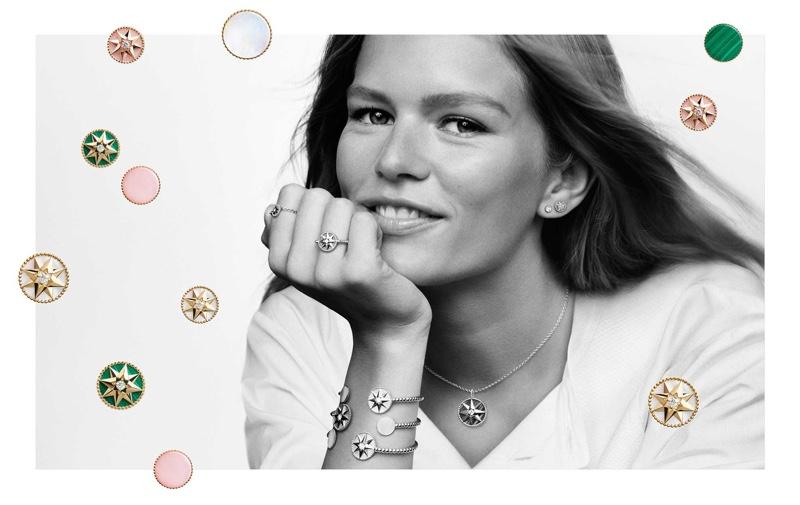 Анна Эверс сияет в рекламной кампании ювелирных изделий от